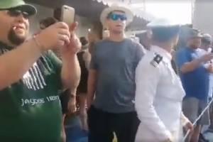 Viral: Dos turistas se lanzan al agua en esclusas del canal de Panamá