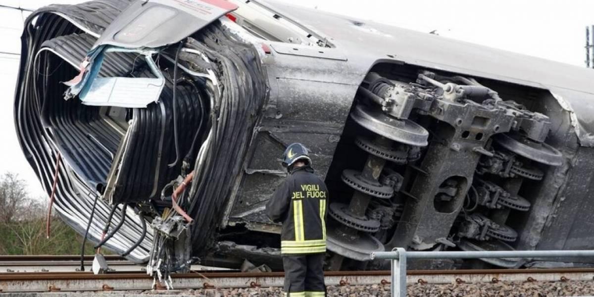 Dos muertos y 27 heridos en descarrilamiento de tren en Italia