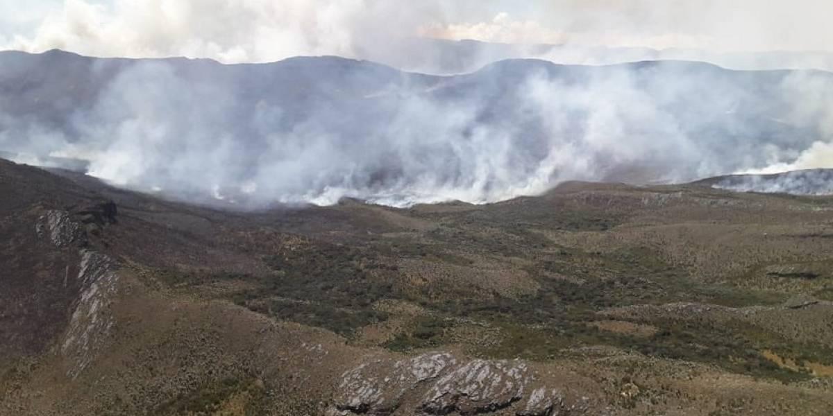 Cientos de hectáreas de pastos y frailejones se incendian en el Sumapaz
