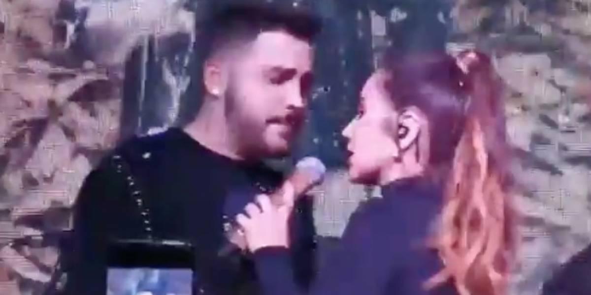 Paola Jara esquivó a Jessi Uribe cuando intentó besarla en 'A otro nivel'