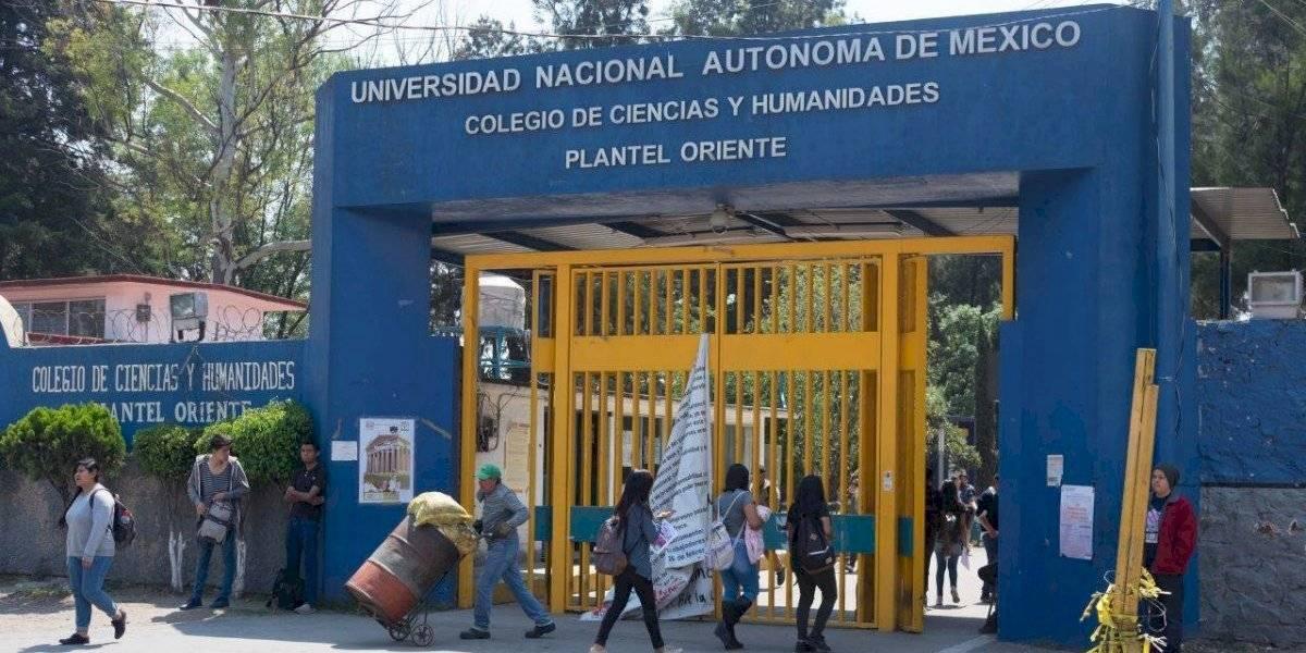 CCH Oriente también se va a paro; alumnos exigen destituir a director