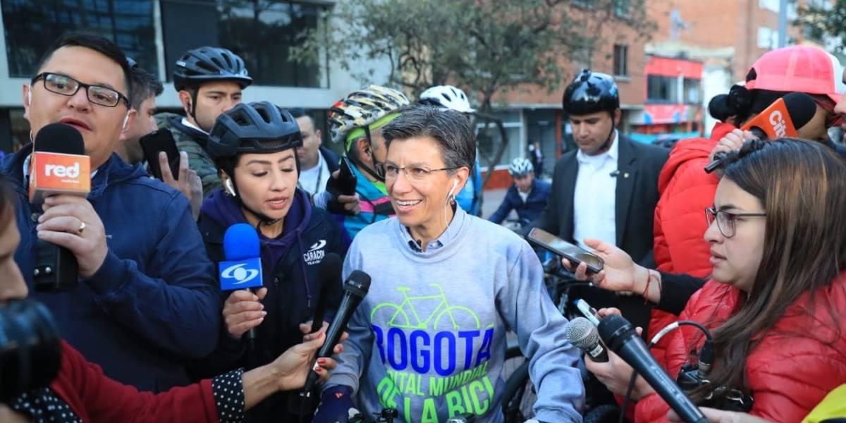 """Día sin carro y sin moto: alcaldesa advierte a taxistas que dejen el """"no voy por allá"""""""