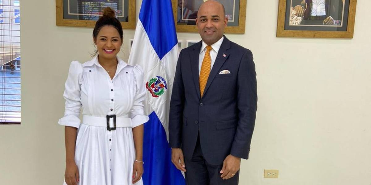 Firma de moda dominicana Nina Vásquez se abre paso en destinos internacionales