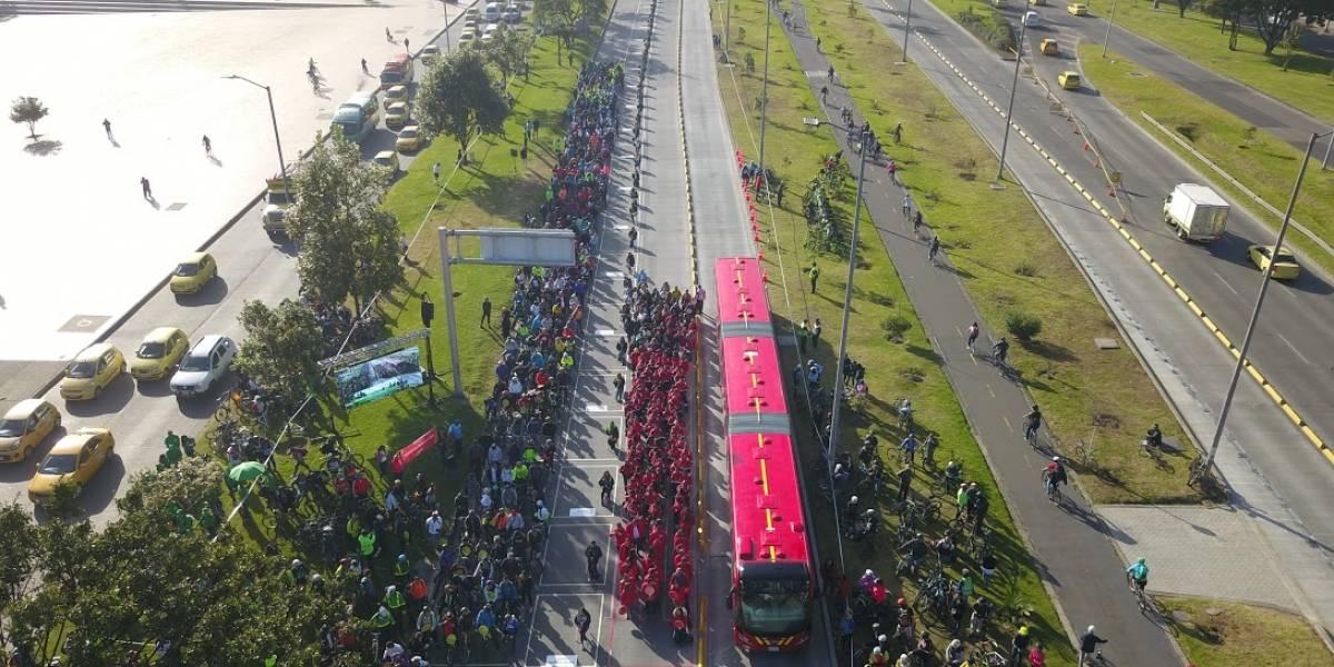 El criticado experimento de la Alcaldía de Bogotá con el espacio en las vías