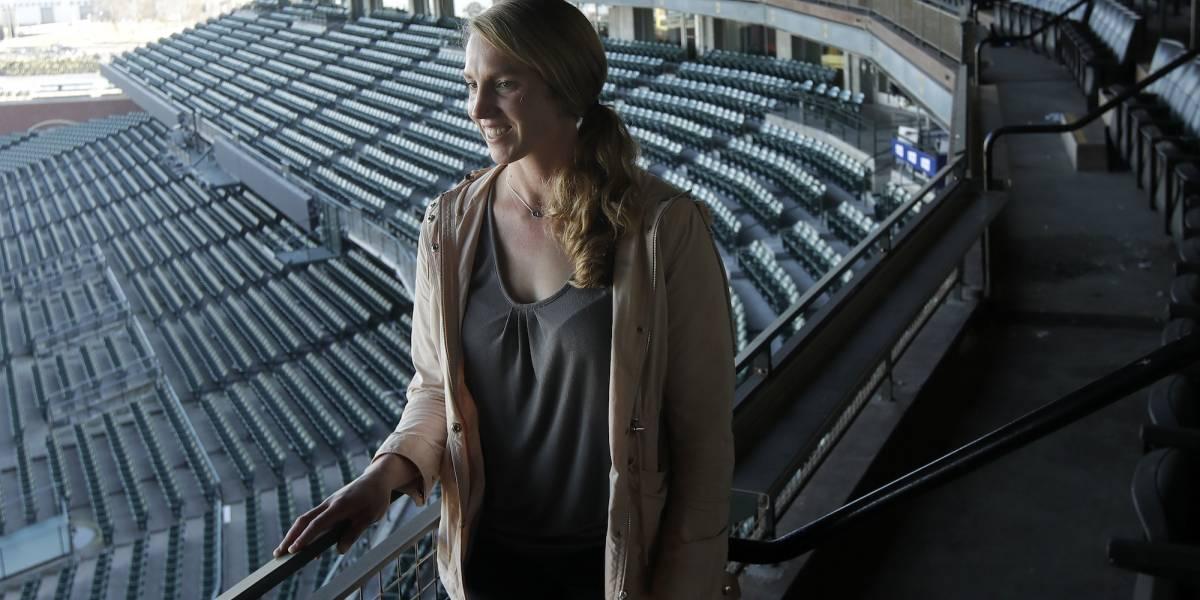 Alyssa Nakken revela su responsabilidad por ser la primera mujer coach en Grandes Ligas