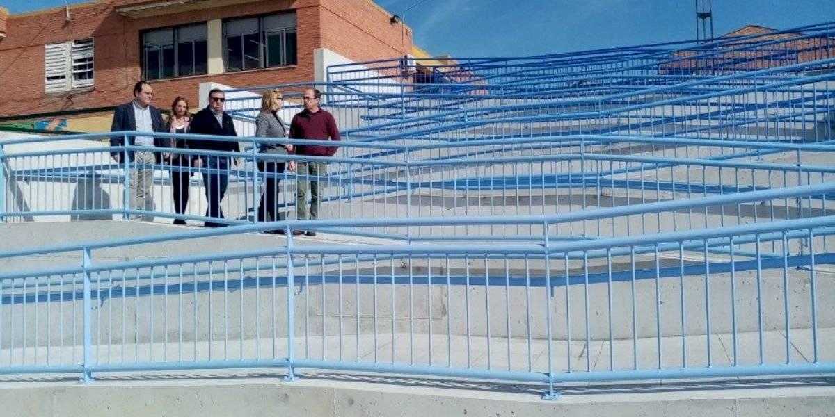 """""""Hubiera salido más barato bajar el colegio"""": construyeron una rampa en una escuela y se ganaron un troleo épico"""