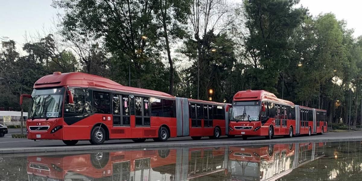 Estación Coyuya del metrobús está sin servicio y la línea B del metro CDMX presenta retrasos