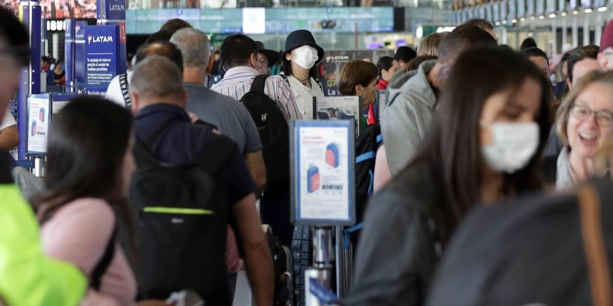 """Coronavirus: Chile espera en """"alerta"""" y fallecidos en China se elevan a 722"""
