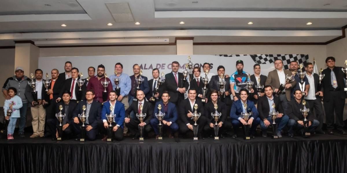 Pilotos guatemaltecos son reconocidos tras la temporada 2019