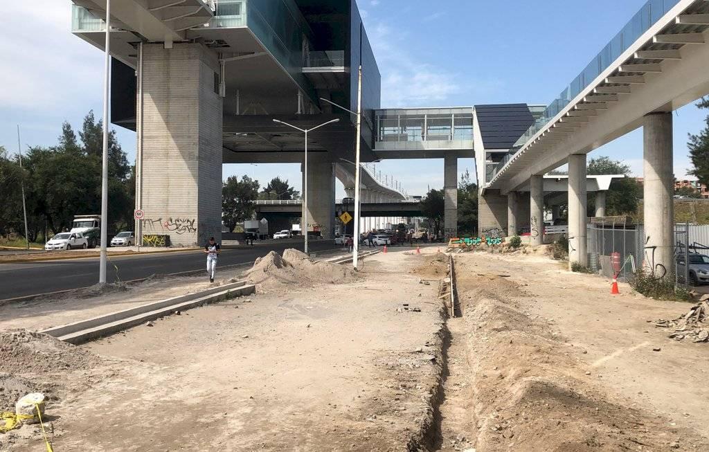 Reconocen retraso en obras a nivel de calle por obras de la Línea 3