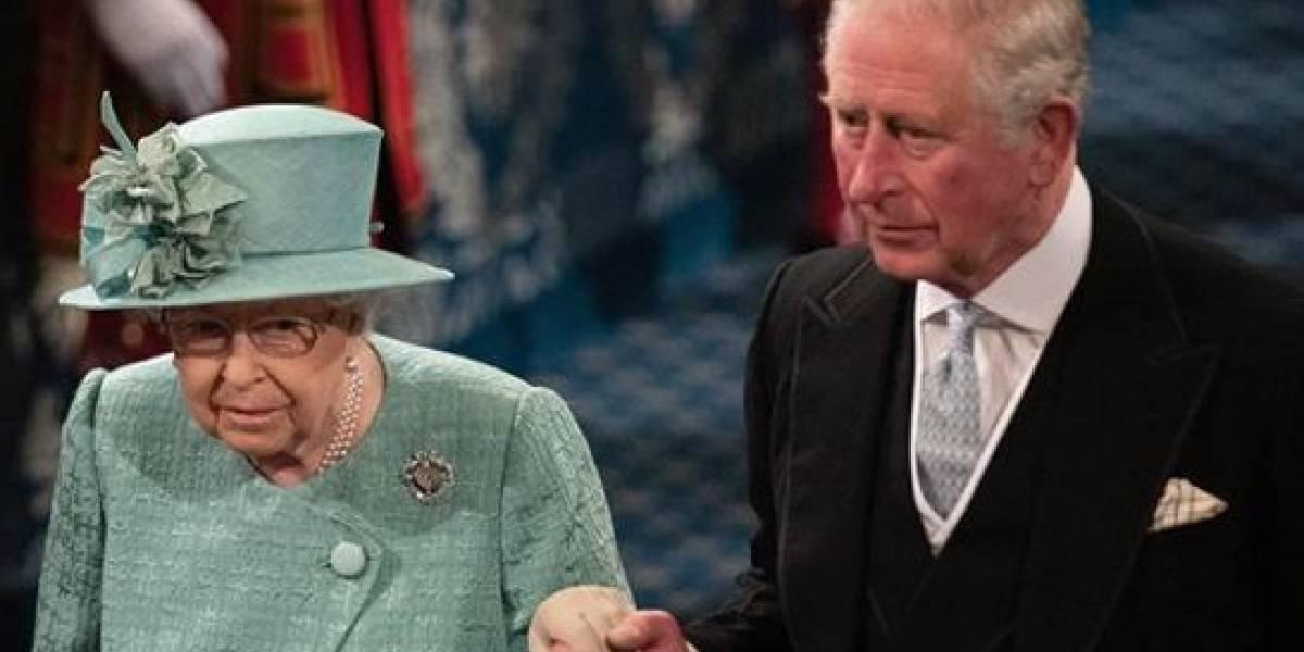 """El extraño hábito del príncipe Carlos por el que lo llaman """"el príncipe malcriado"""""""