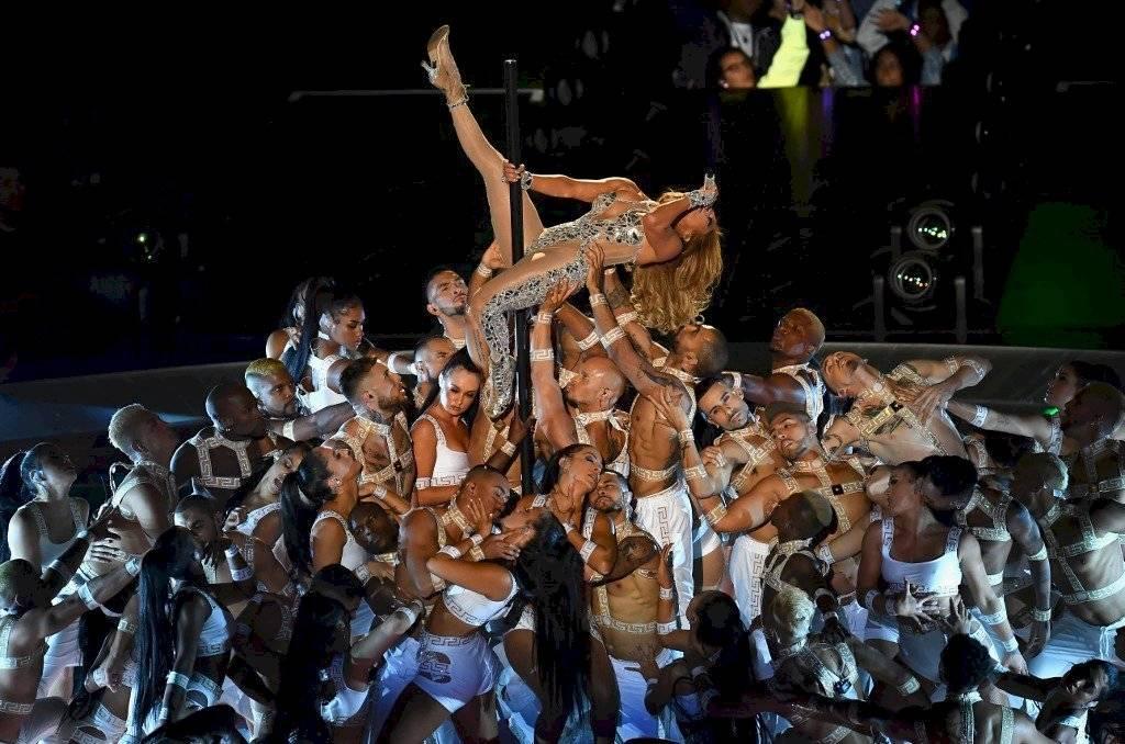 Cristiano demandará a la NFL por orgía de Shakira y Jennifer López en el Super Bowl