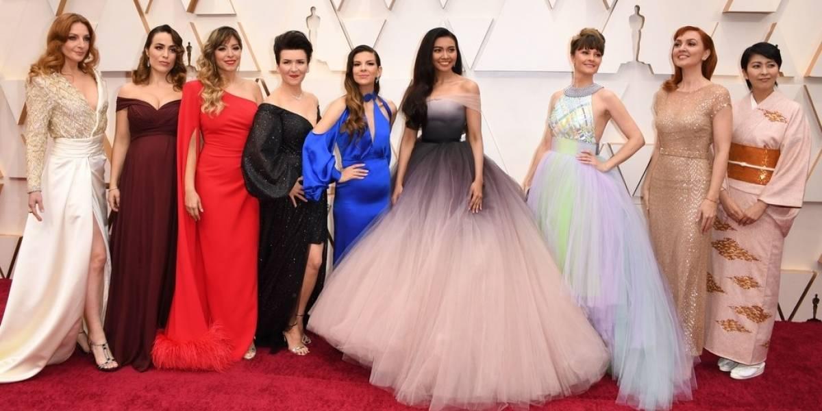 Así llegaron las actrices que dan voz a Elsa en varios países a los Oscar 2020