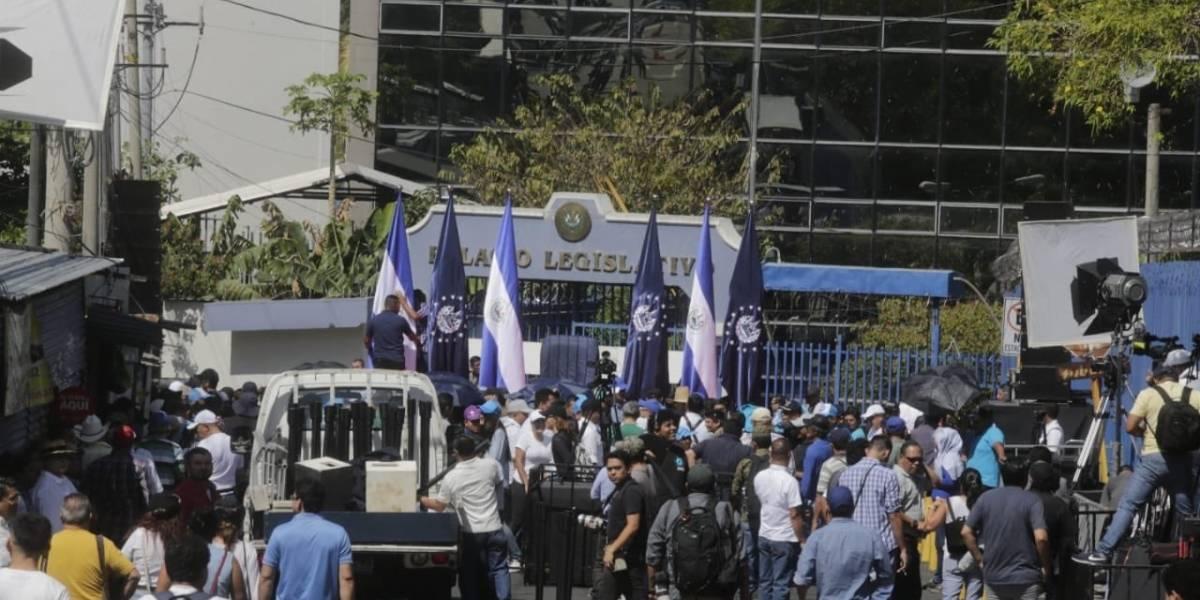 El Salvador en pugna de poderes entre Bukele y el legislativo