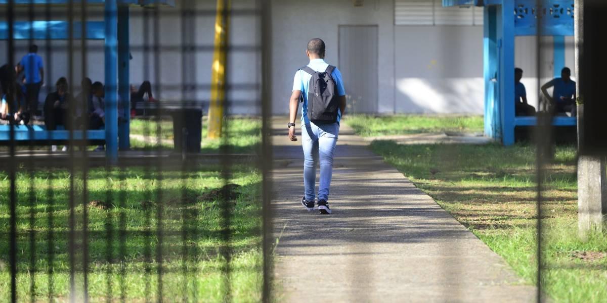 Gobernadora anuncia extensión del semestre escolar por los terremotos