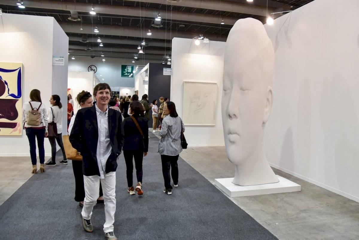 Visitantes de la muestra de arte contemporáneo en Zona Maco