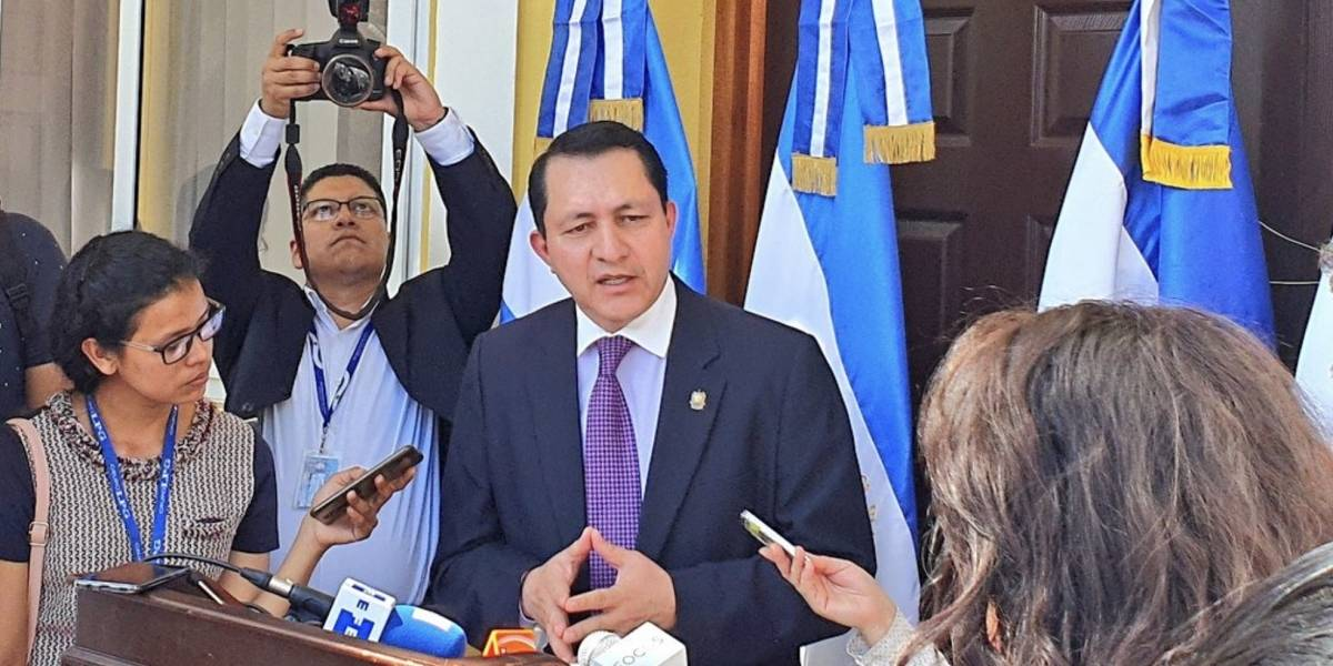 "Asamblea Legislativa de El Salvador denuncia ""intento de golpe de Estado"" de Bukele"
