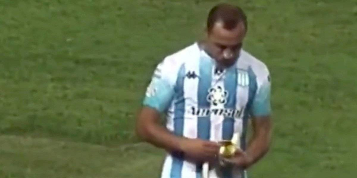 """""""¡Sirvió un tiro libre con una banana en la boca!"""": Marcelo Díaz también fue protagonista del lado B del clásico de Avellaneda"""
