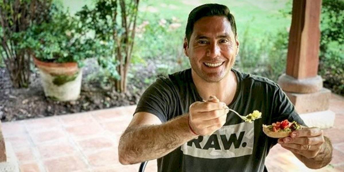 """""""El cazuelavirus"""": Pancho Saavedra recibe burlas tras aparecer con curioso atuendo"""