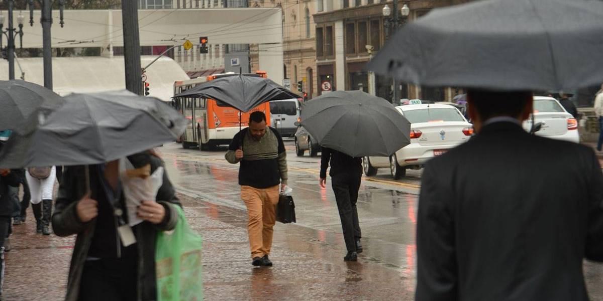 Bombeiros recebem mais de 7 mil chamados devido às chuvas em São Paulo
