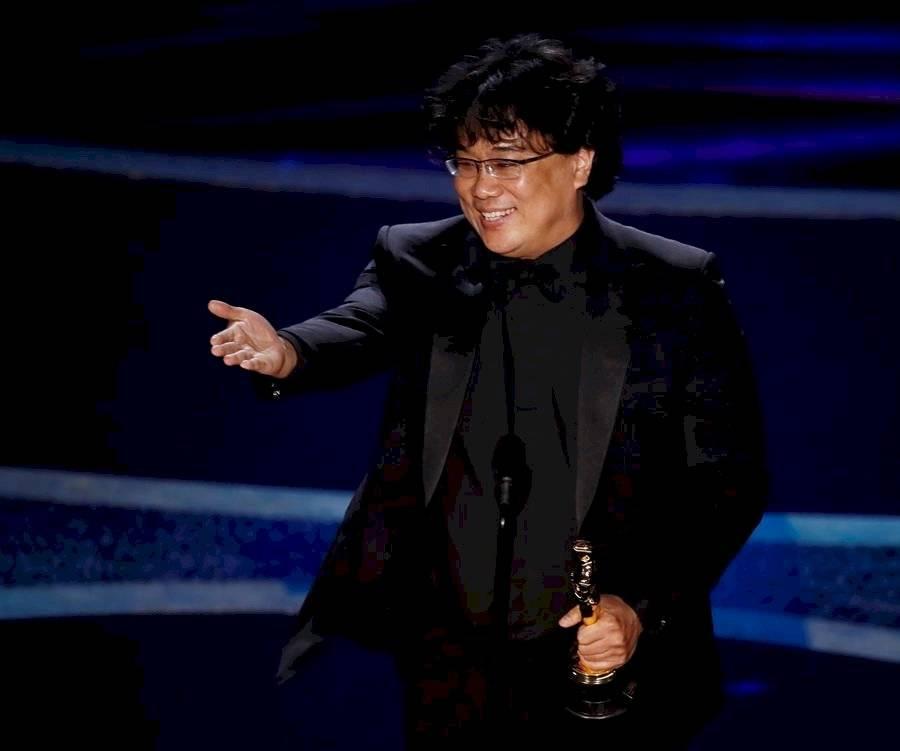 """Bong Joo-Ho, mejor director en los Óscar por """"Parásitos"""". Además fue la mejor película EFE"""