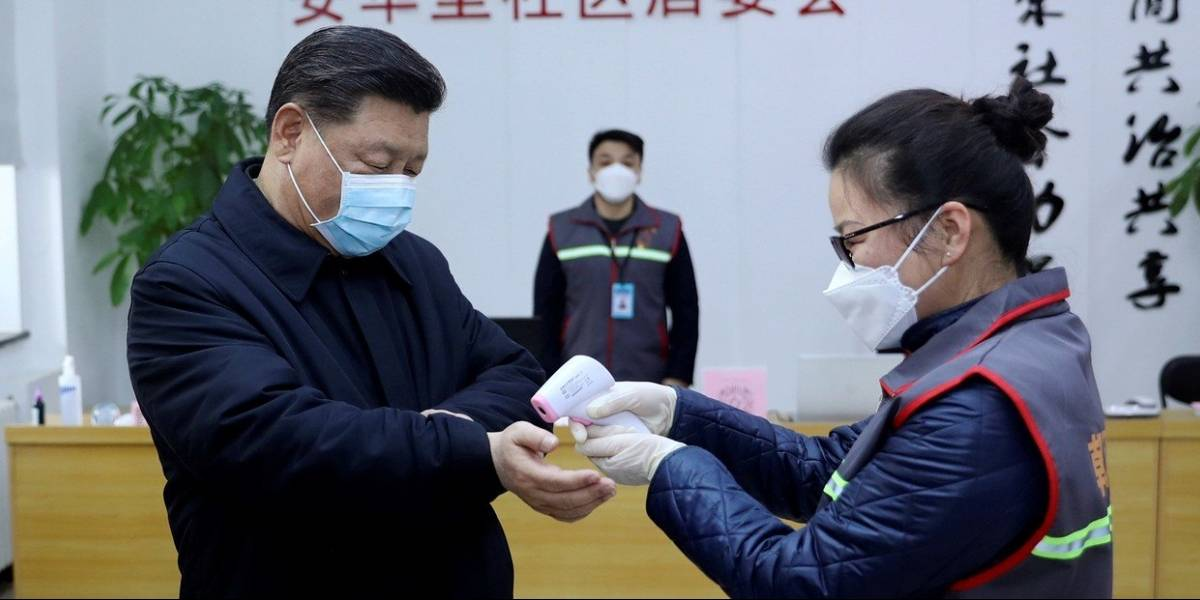 Predicando con el ejemplo: Presidente chino aparece con mascarilla en visita a hospital