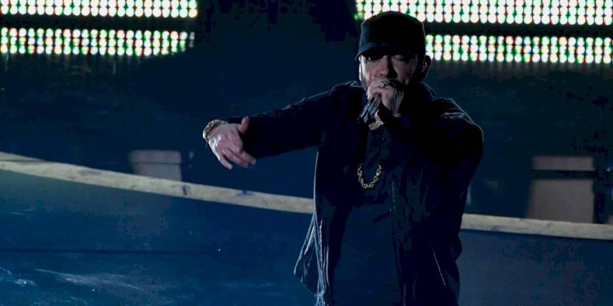 Con unas libras de más, Eminem impacta al cantar en los Oscar 2020