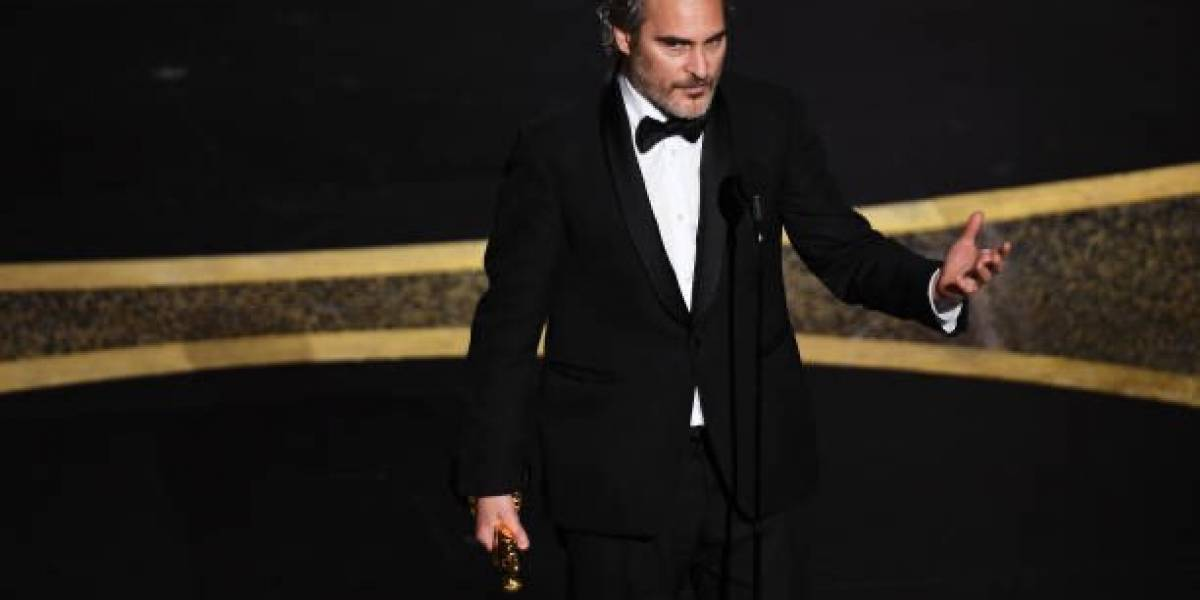 Joaquin Phoenix recibe el Oscar a Mejor Actor por su actuación en Joker