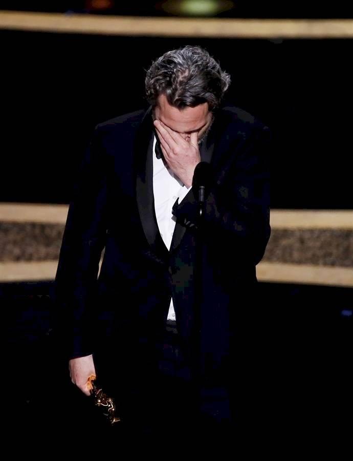 Joaquin Phoenix durante su emotivo discurso al ganar el Óscar por mejor actor EFE