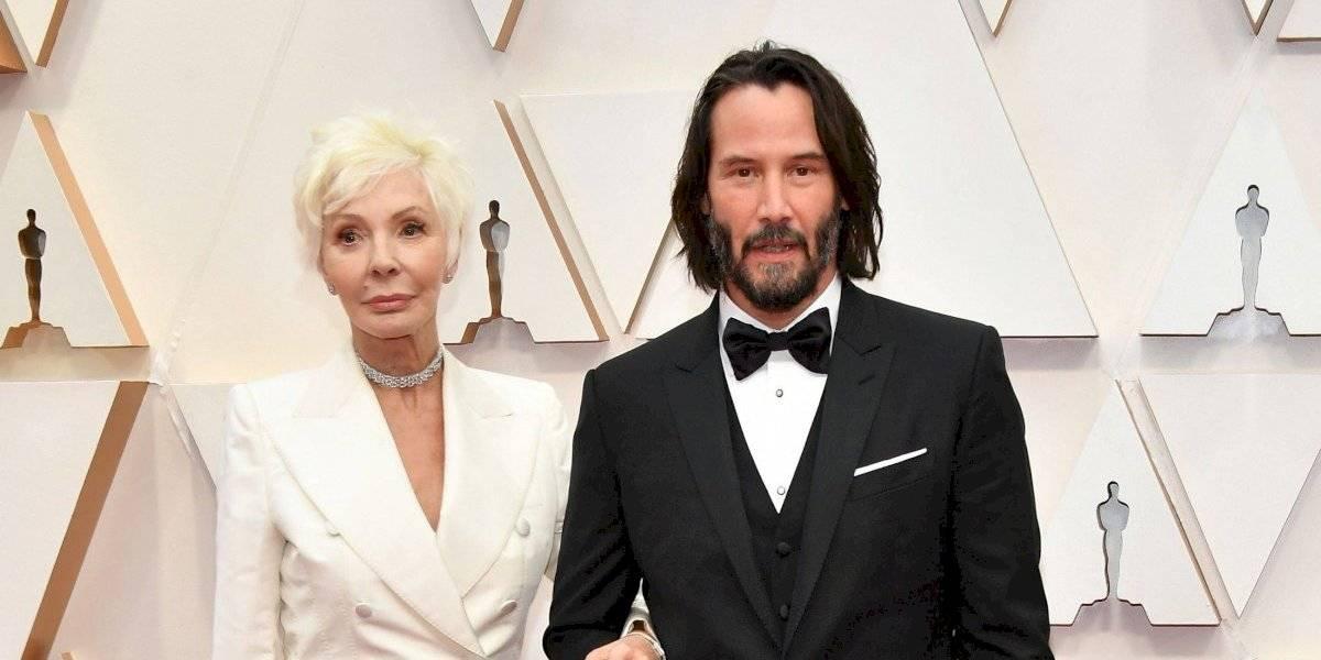 Keanu Reeves la rompió en la alfombra roja de los Premios Oscar: llegó junto a su mamá