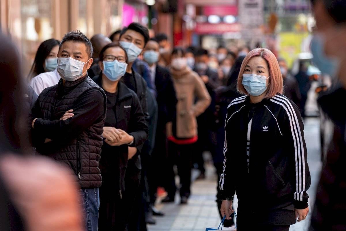 Personas en Hong Kong antes de la cuarentena.