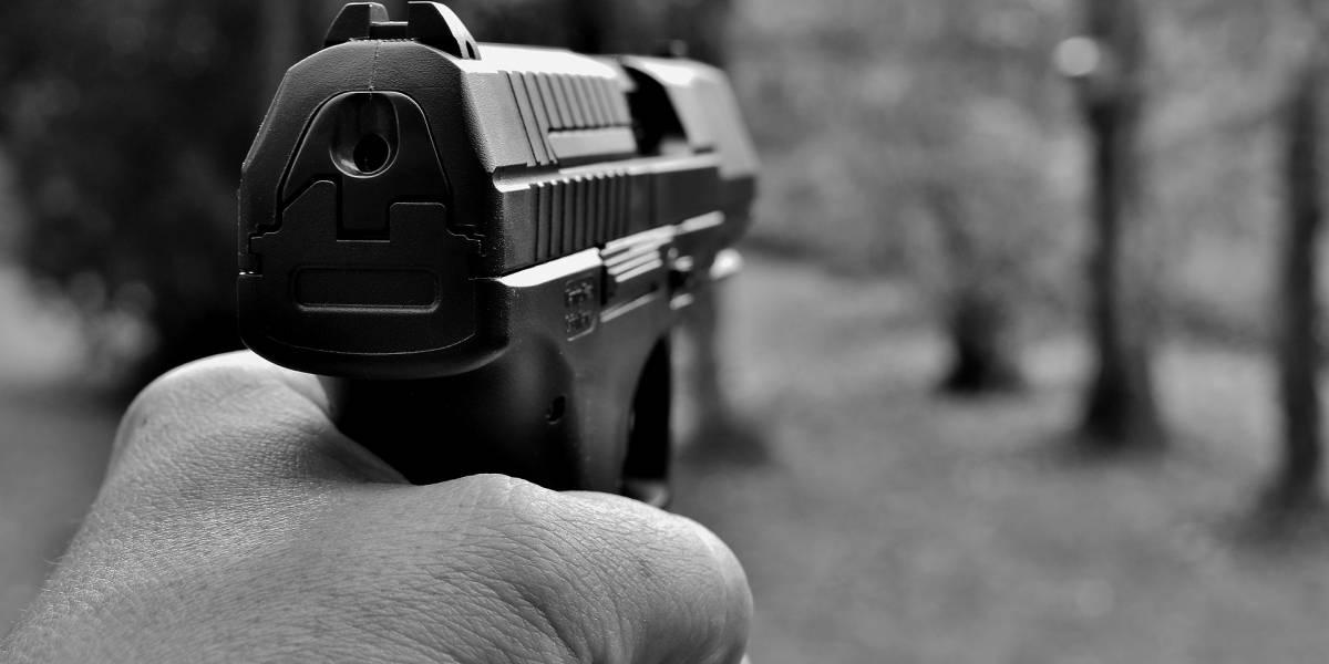 """""""Hombre con uniforme detuvo mi auto y robó mi celular con una pistola"""""""