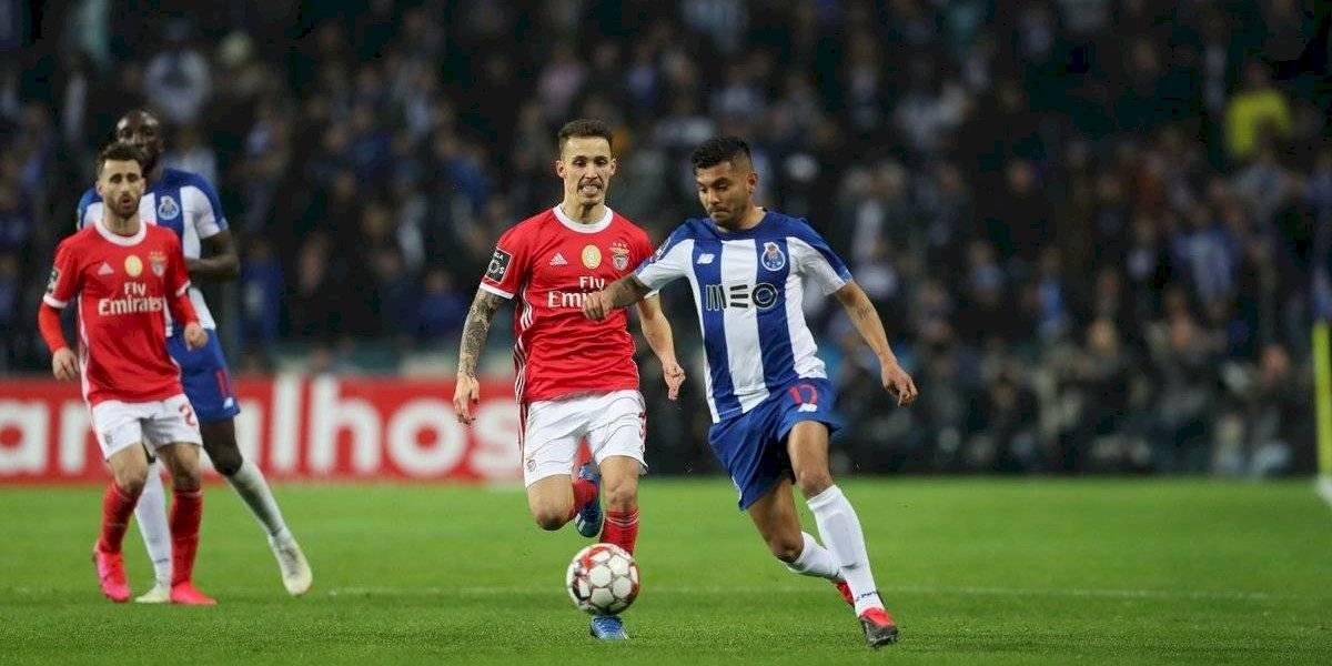 'Tecatito' Corona gana premio al mejor gol del mes en Portugal