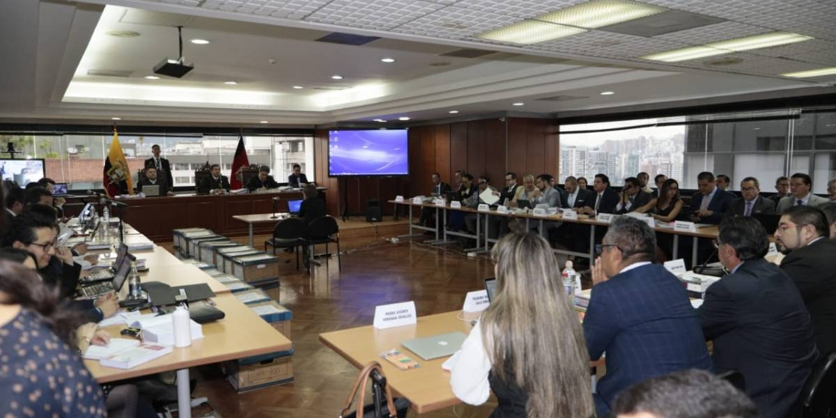 Se inicia el juicio contra Rafael Correa y otros procesados en Caso Sobornos