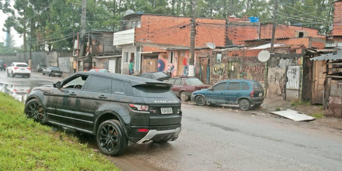 São Paulo conta prejuízo e tenta voltar à rotina após a chuva