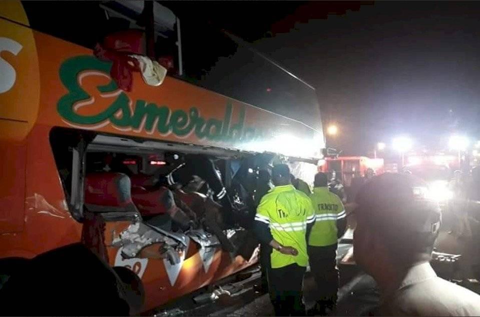 Dos fallecidos en accidente de bus interprovincial