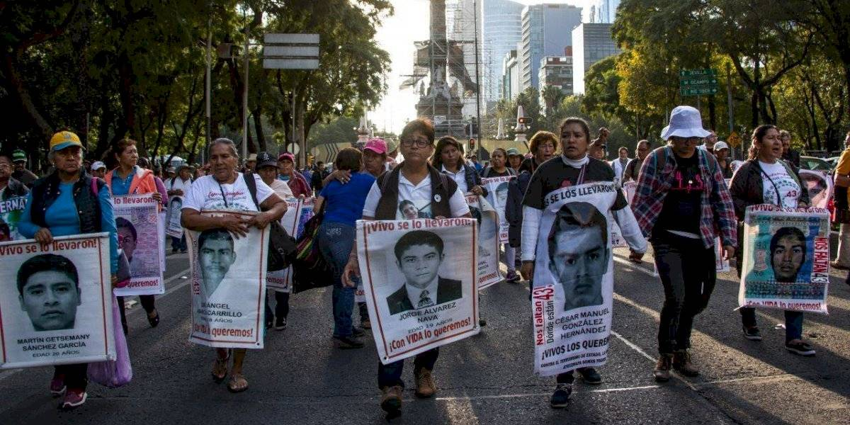 'Hay un pacto de silencio en caso Ayotzinapa', acusa AMLO