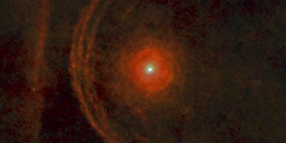 Gigantesca estrela Betelgeuse pode explodir a qualquer momento e preocupa especialistas