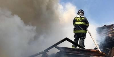 Incendio en San Antonio de Pichincha