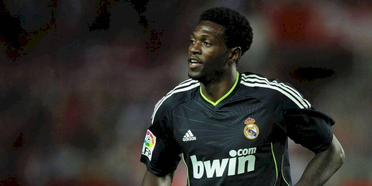 Olimpia de Paraguay anuncia fichaje de Emmanuel Adebayor