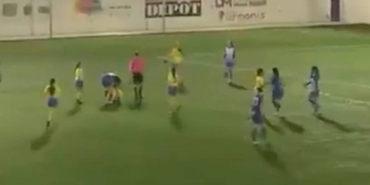 VIDEO: Equipo femenil se va del partido por insultos machistas del árbitro