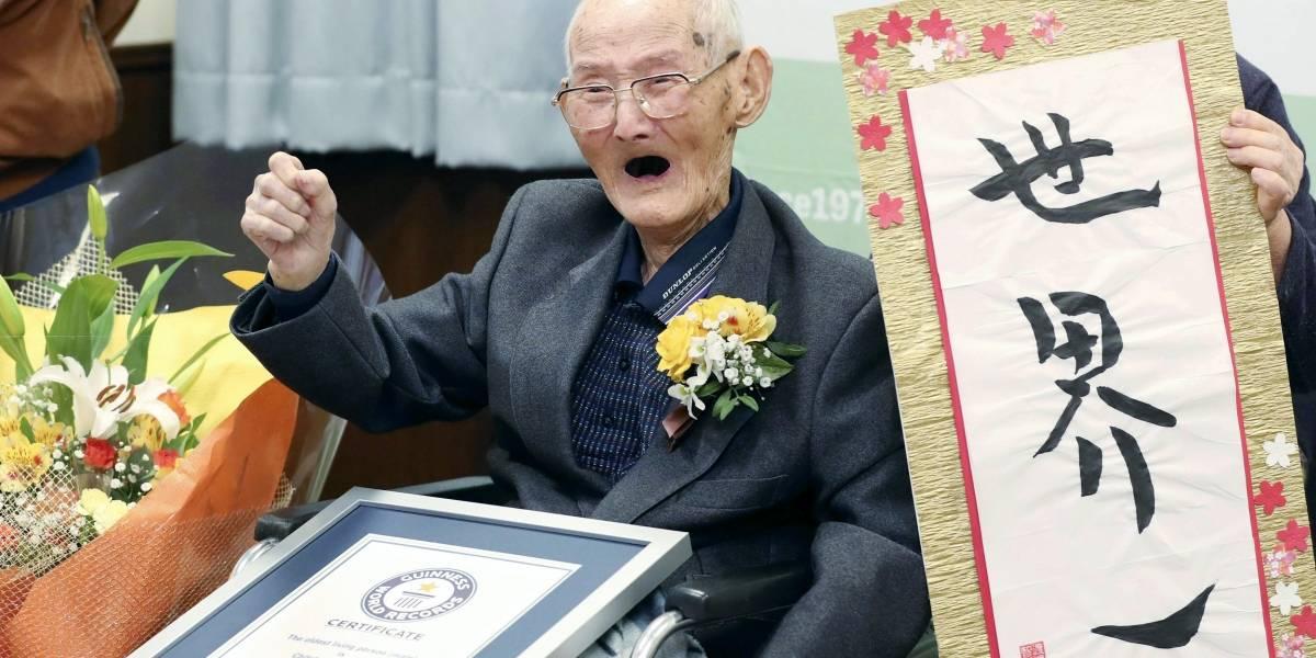 Japonés de 112 años rompe récord Guinness como el más viejo del mundo