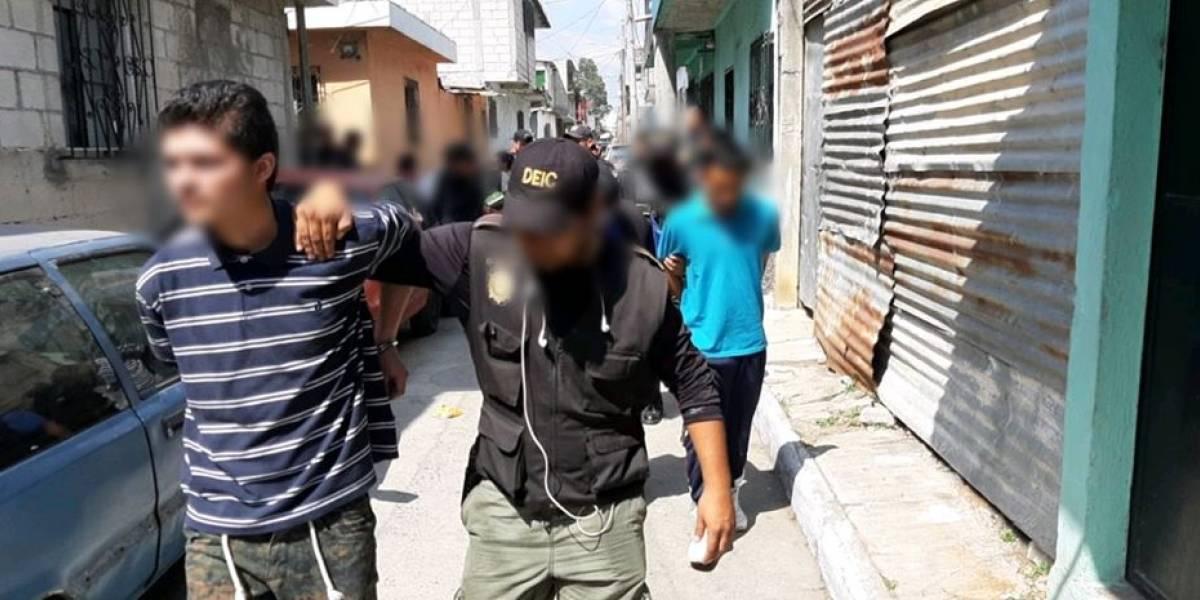 Allanamientos en Villa Nueva dejan dos capturados, un menor remitido y niños rescatados