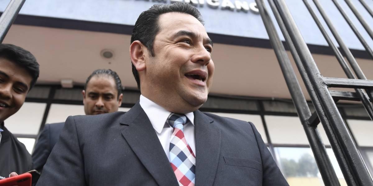 Jimmy Morales se incorpora a Bancada Guatemala en sesión del Parlacen