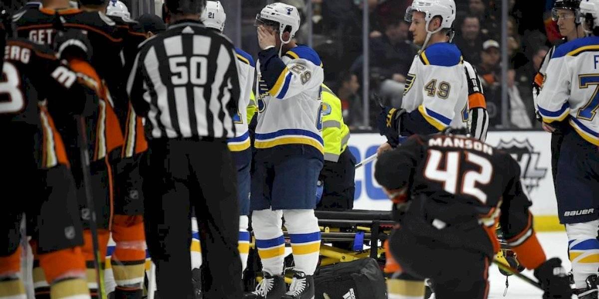 Jugador de la NHL se desvanece en pleno partido