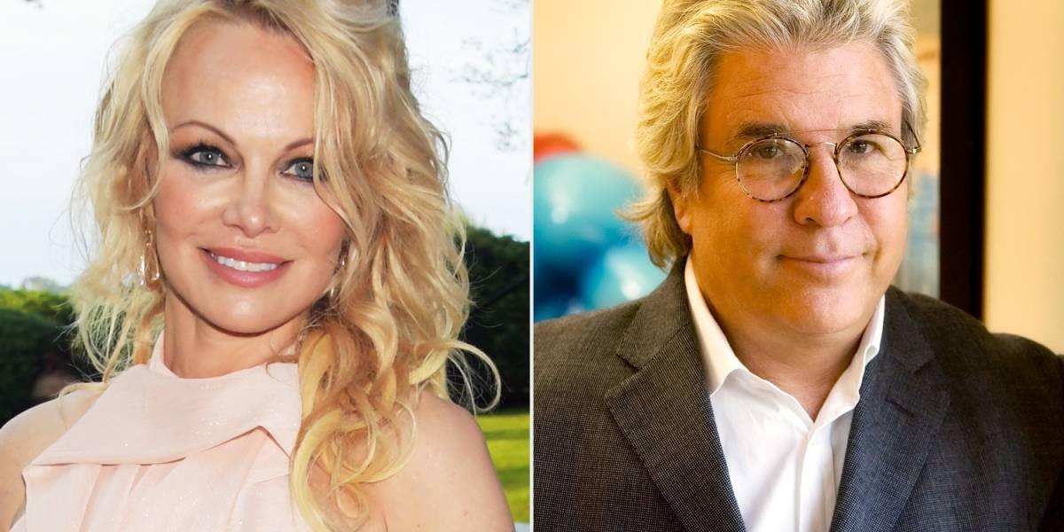 Pamela Anderson se habría casado con Jon Peters por 12 días para pagar millonarias deudas
