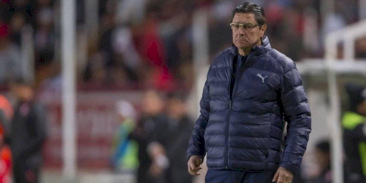 Tena tendrá respaldo en Chivas hasta el final de torneo