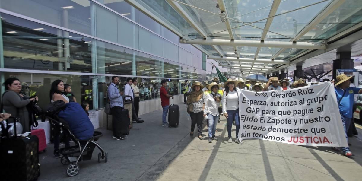 Desalojan a ejidatarios del aeropuerto tapatío; justifican el operativo