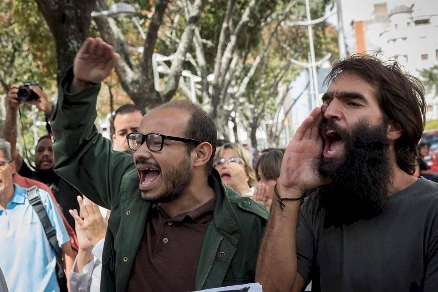 Trabajadores de la prensa participan de una manifestación contra agresiones a periodistas EFE/ Rayner Peña R.