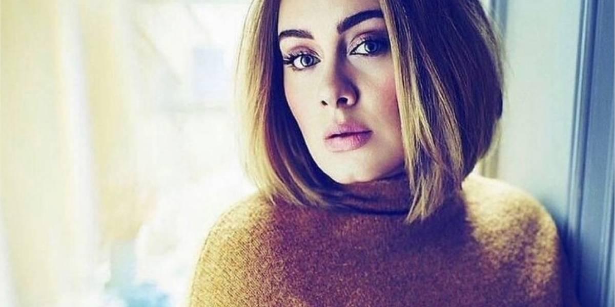 Adele exhibe radical pérdida de peso luciendo un entallado atuendo deportivo